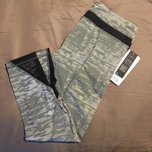 NWT Lululemon Inspire Tight II size 10 SJBW